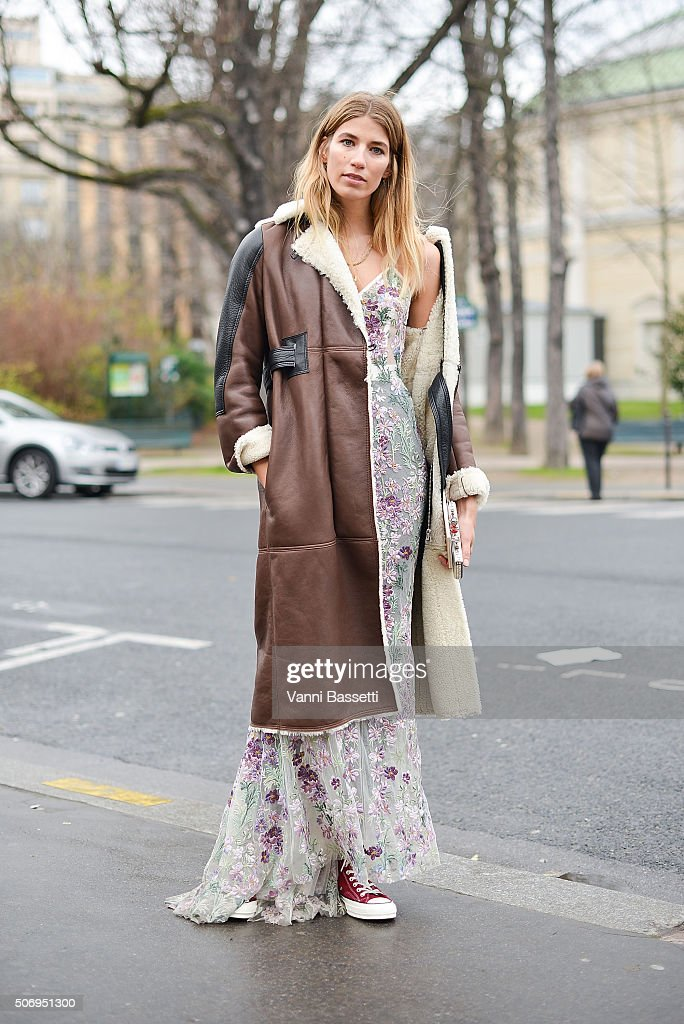 Street Style : Paris Fashion Week -Haute Couture- Spring/Summer 2016  : Day Three : News Photo