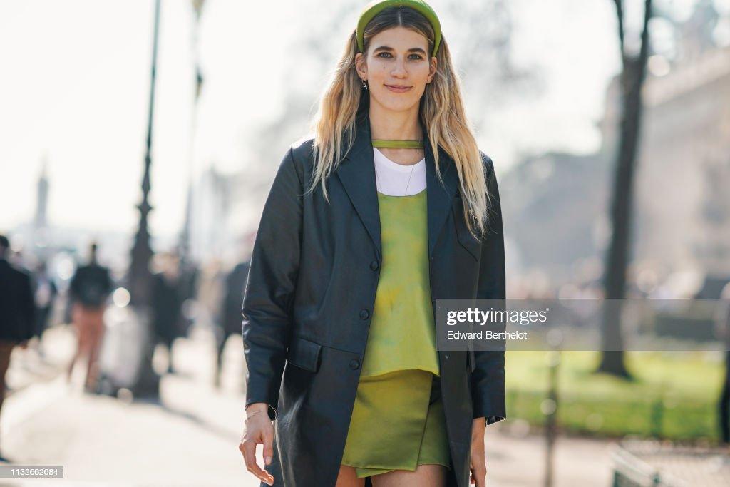 Street Style - Paris Fashion Week Womenswear Fall/Winter 2019/2020 : Day Three : Fotografía de noticias