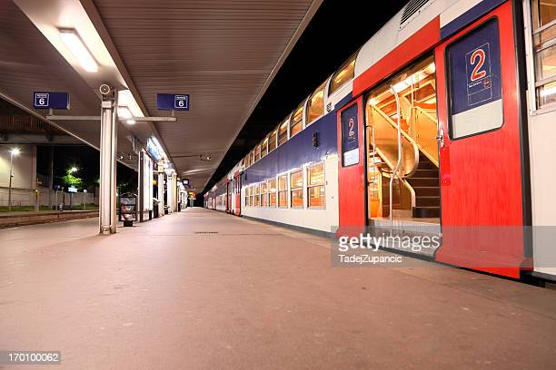 versailles train station - yvelines stock pictures, royalty-free photos & images
