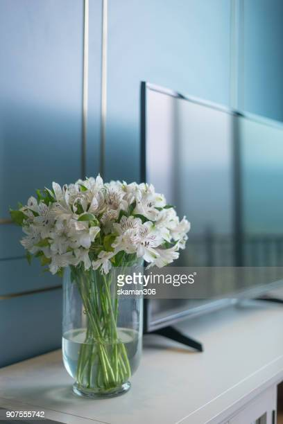 vertical angle with Vase and flower