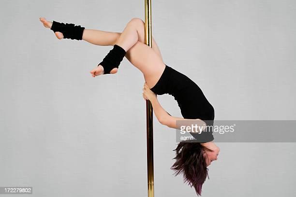 Vertical Dance – Cross Knee
