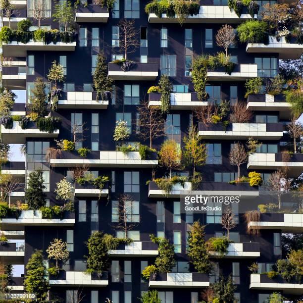 bosco verticale - bosco verticale milano foto e immagini stock