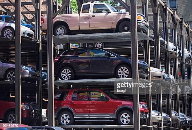 Vertically stacked parking garage