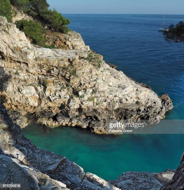 verudela canyon mouth, croatia - イストリア半島 プーラ ストックフォトと画像