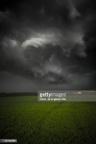 a very big storm forming in spain - ビトリア=ガステイス ストックフォトと画像