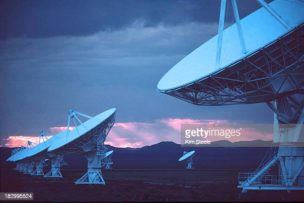 very large array for interplanetary signals - national radio astronomy observatory stock pictures, royalty-free photos & images