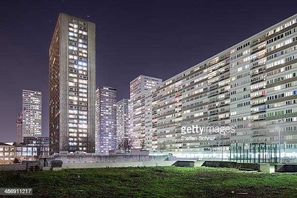 Very large blocks of flats