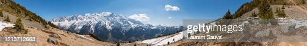 very large panoramic view of the mont blanc massif, haute-savoie, france - laurent sauvel photos et images de collection