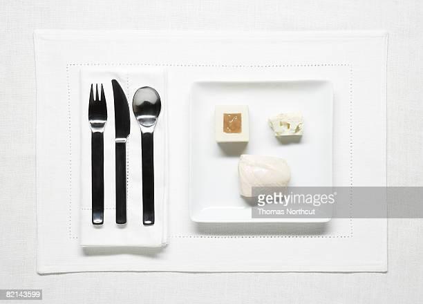 Très simple repas sur une assiette