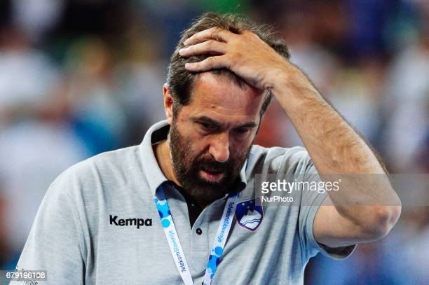 Veselin Vujovic Slovenian coach during the 2018 EHF Men's European Handball Championship qualification match between Slovenia and Germany in Arena...