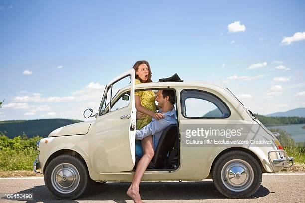 vespa - freaky couples stockfoto's en -beelden