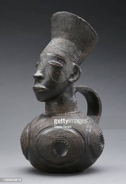 Vessel. Mangbetu people. 20th century. Ceramic. 11-3/16 in. African Art.