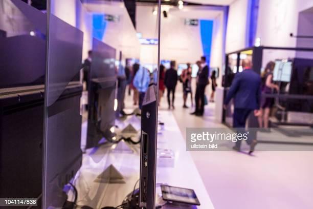 Vestel Fernseher von der Seitenansicht auf der IFA in Berlin 2017