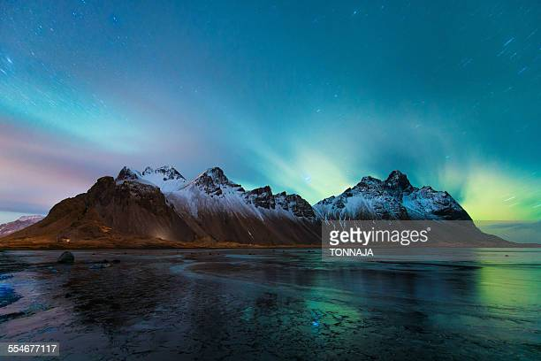 vesturhorn and the northern lights, iceland - austurland stock pictures, royalty-free photos & images