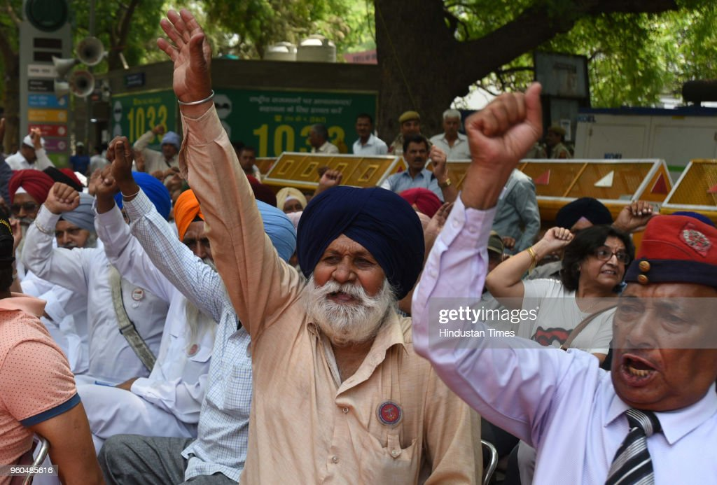 Veteran Servicemen Demand Implementation Of Some Amendments In OROP Scheme