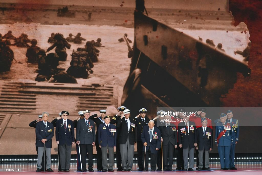 TOPSHOT-BRITAIN-FRANCE-US-WWII-DDAY-ANNIVERSARY-DIPLOMACY : News Photo