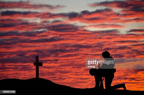 veterans' day soldier - remembrance sunday stock photos and pictures