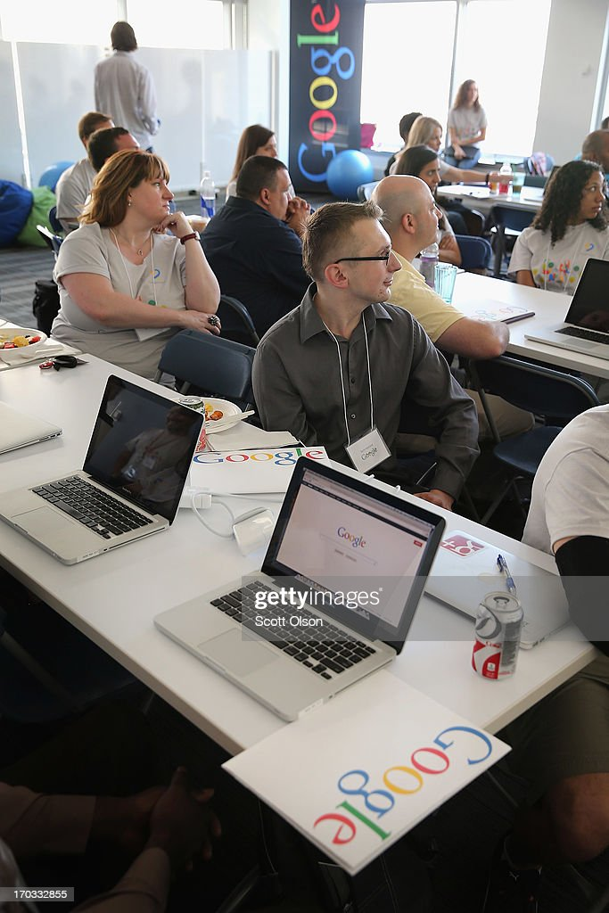 Google's Chicago Office Offers Career Coaching To Veterans : News Photo