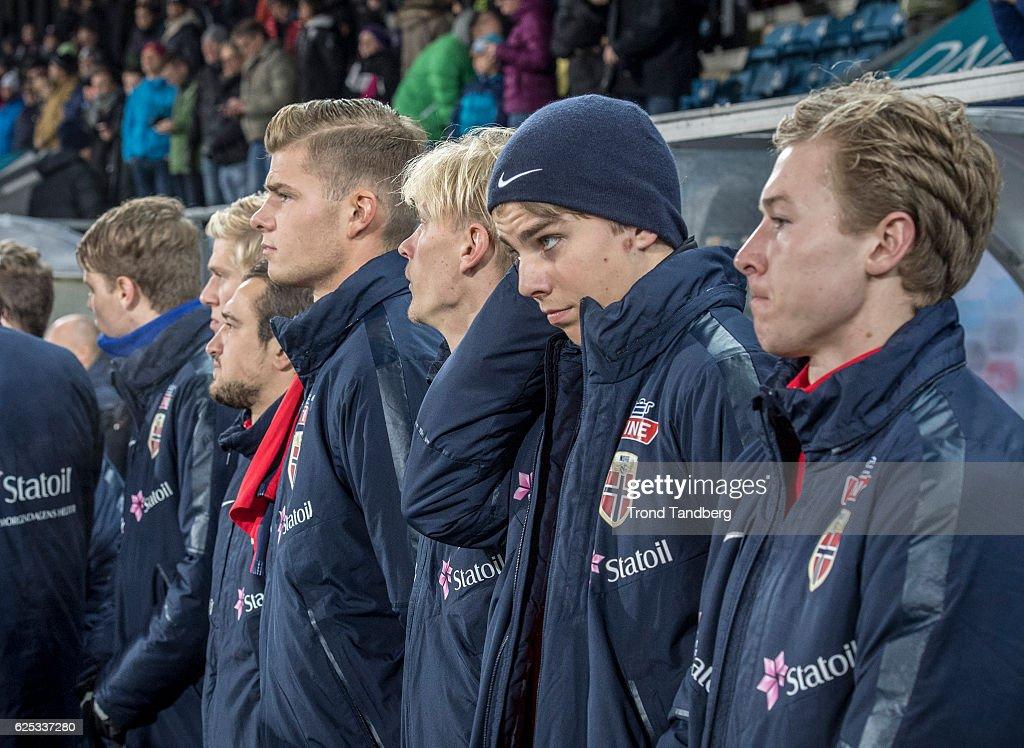 Veton Berisha, Alexander Soerloth, Morten Thorsby, Martin Samuelsen, Sigurd Rosted of Norway before U-21-UEFA European Championship Play-Off Norway v Serbia at Marienlyst Stadion on November 15, 2016 in Drammen, Norway.