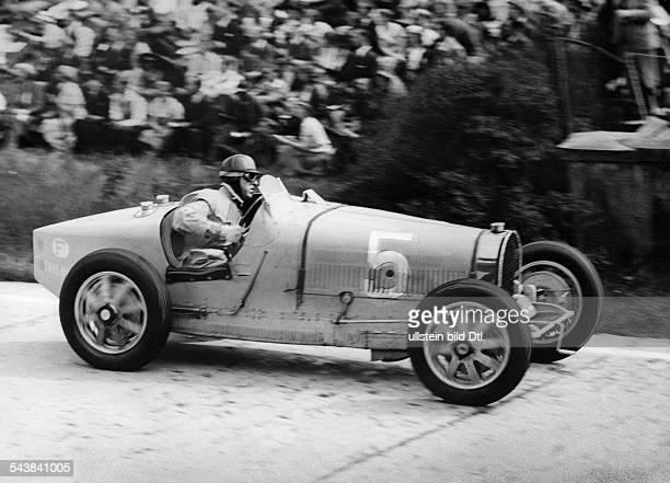 Veyron Pierrre Race car driver France*1970 The winner of the International Avus race May 5th 1933 pasing the north curve in his Bugatti Photographer...