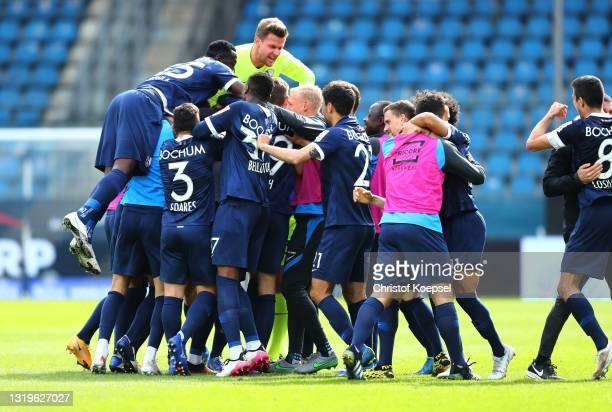 VfL Bochum 1848 celebrate during the Second Bundesliga match between VfL Bochum 1848 and SV Sandhausen at Vonovia Ruhrstadion on May 23, 2021 in...