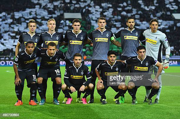 VfL Borussia Monchengladbach pose for a team photo during the UEFA Champions League Group D match between VfL Borussia Monchengladbach and Manchester...