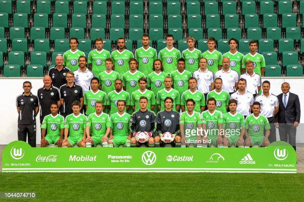 VfL Wolfsburg Saison 2012/2013 hier Im Foto4 Reihe von links Emanuel Pogatetz Marco Russ Sotirios Kyrgiakos Bas Dost Alexander Madlung Rasmus Jönsson...