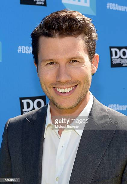 Vh1 Host Jason Dundas arrives at the DoSomething.org and VH1's 2013 Do Something Awards at Avalon on July 31, 2013 in Hollywood, California.