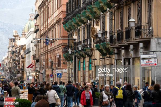 diagonal view popular street palermo with