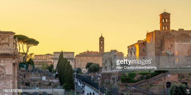 via sacra leading up the capitoline hill, rome, lazio, italy, europe - alan copson stock pictures, royalty-free photos & images