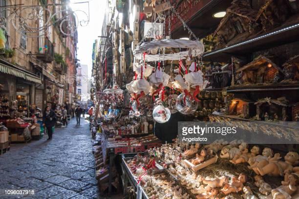829 fotos e imágenes de Via San Gregorio Armeno - Getty Images