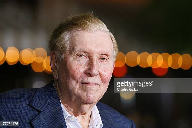 Viacom Chairman Sumner Redstone arrives at the premiere of Paramount's 'The Heartbreak Kid' at Mann's Village Theater on September 27 2007 in Los...