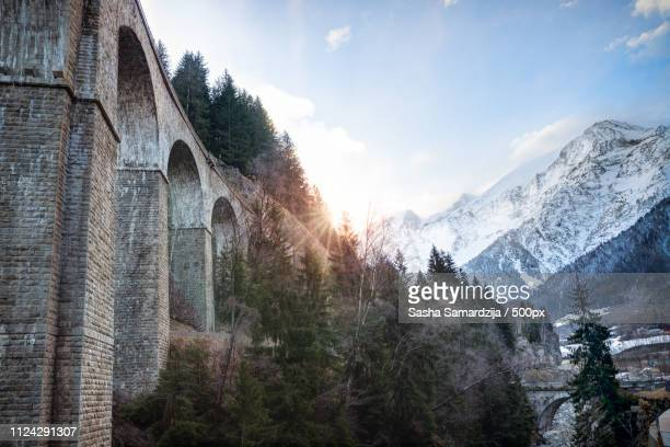viaduct on the mountains - haute savoie fotografías e imágenes de stock