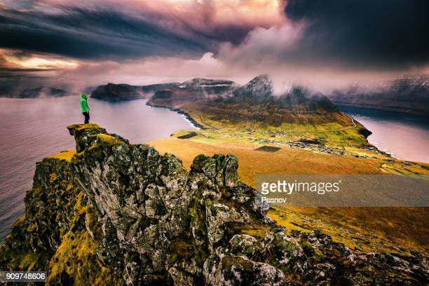 viðareiði - islas faroe fotografías e imágenes de stock