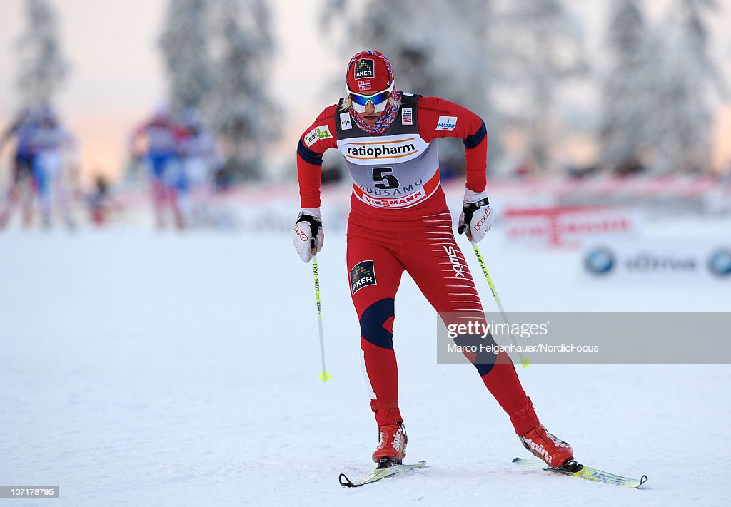 Vibeke W. Skofterud of Norway competes in the women 10km free handicap start during the FIS World Cup Cross Country Skiing on November 28, 2010, in Kuusamo, Finland.