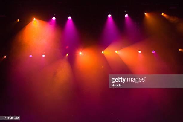 Luces brillantes de un concierto de rock show