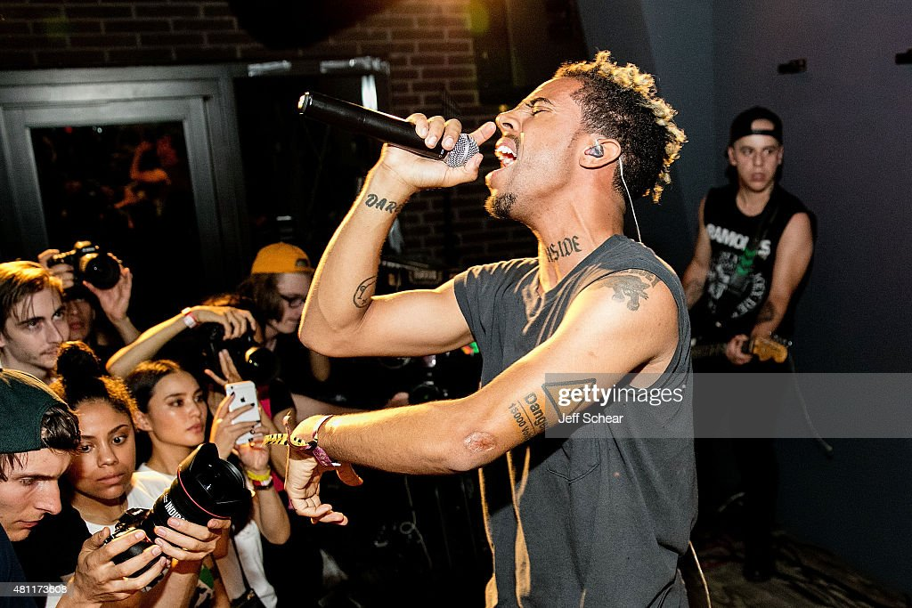 Pitchfork After-Party At Virgin Hotels Chicago With A Performance By Vic Mensa : News Photo