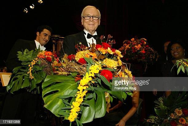 Vicco Von Bülow Alias Loriot Bei Der 10 Festlichen Operngala Für Die Deutsche AidsStiftung In Der Deutschen Oper Berlin Am 081103