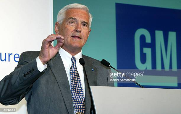 Vice Chairman Bob Lutz delivers a speech during the 37th Tokyo Motor Show at Makuhari Messe, east of Tokyo October 22, 2003 in Tokyo, Japan.