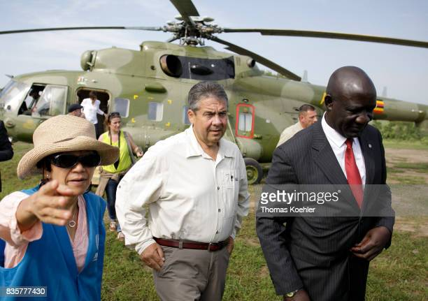 Vice Chancellor and Federal Foreign Minister Sigmar Gabriel SPD with the Minister of State for refugees in Uganda Ecweru Musa Francis arriving with a...