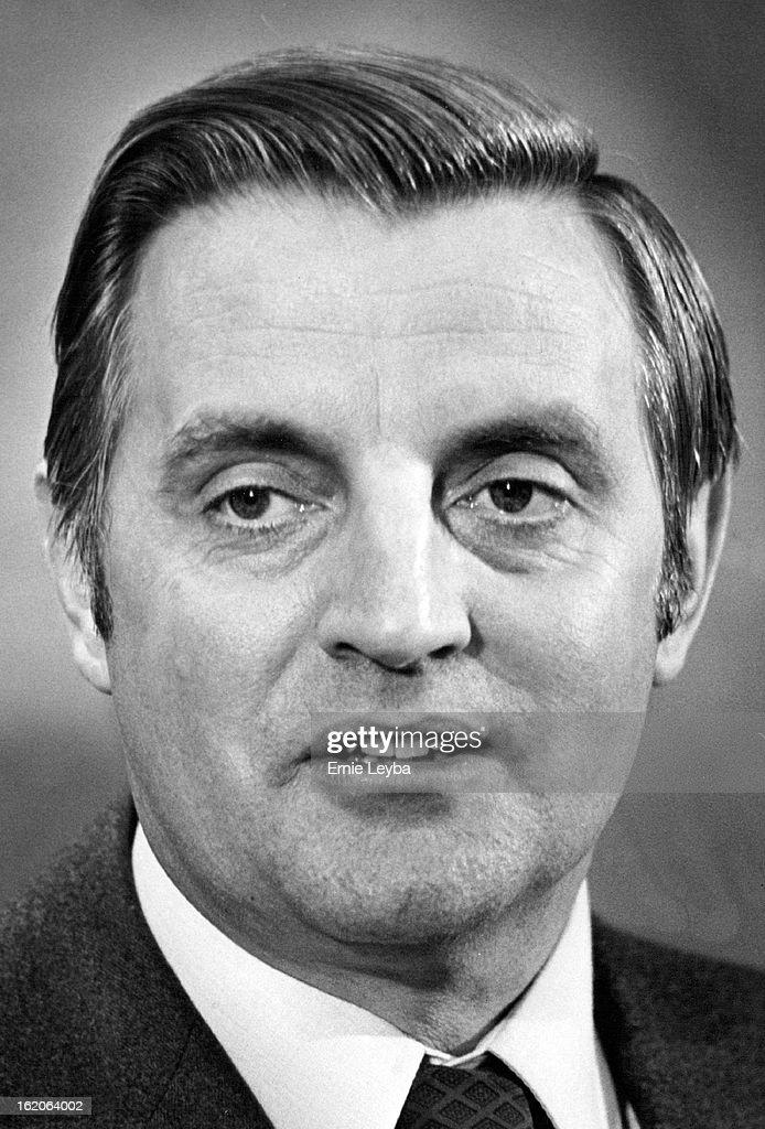 DEC 1977, 12-10-1977; Vice Pres. Walter Mondale; : News Photo