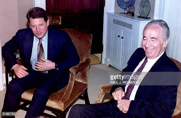 S Vice President Al Gore meets with Israeli Foreign Minister Shimon Peres 02 February 1994 in Washington DC Peres met 01 February with US Secretary...