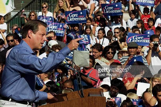 Vice President and Democratic Presidential Candidate Al Gore speaks at a rally in Lakewood Park in Sunnyvale California 20 September 2000 Gore is...