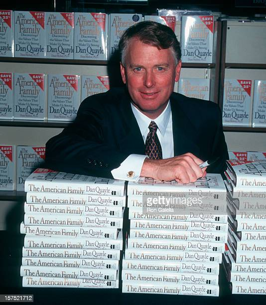 Vice President Dan Quayle attending Dan Quayle InStore Apperance Signing New Book The America Family on April 22 1996 at B Dalton Book Store in New...