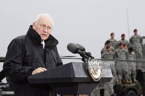 """Vice President Dick Cheney makes remarks to 4,000 Army soldiers of the 101st Airborne Division returning from duty in Iraq during a """"Welcome Home..."""