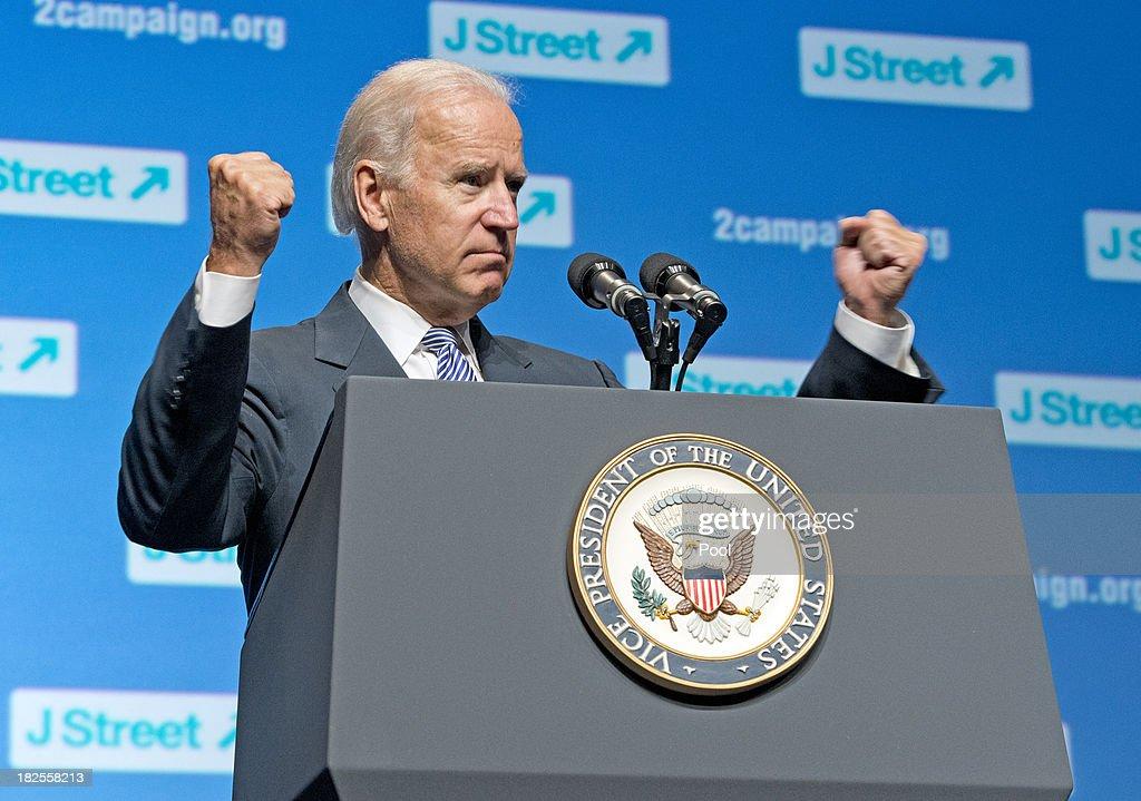 Biden Speaks at J Street Conference : Nieuwsfoto's