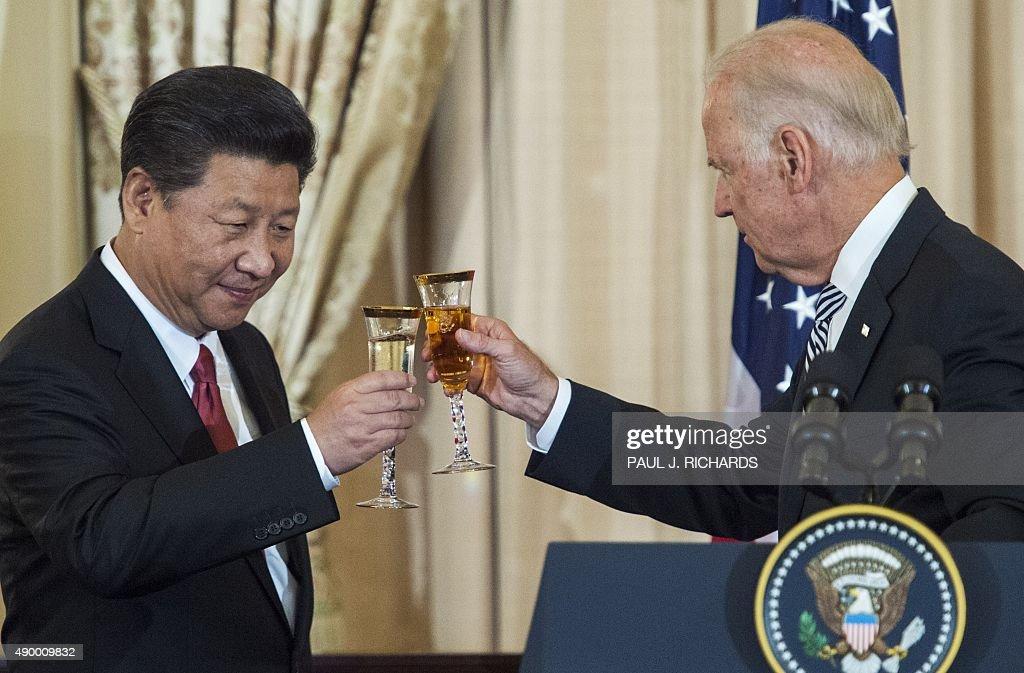 US-CHINA-DIPLOMACY-BIDEN-KERRY-XI : News Photo