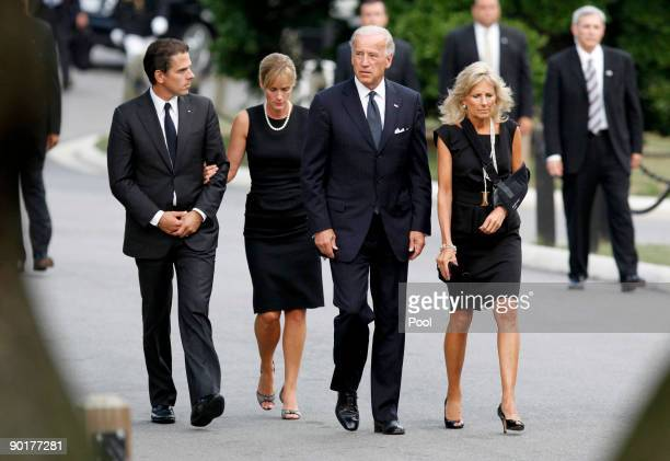 S Vice President Joe Biden arrives at Arlington National Cemetery with his wife Jill Biden son Hunter Biden and daughterinlaw Kathleen Biden for the...