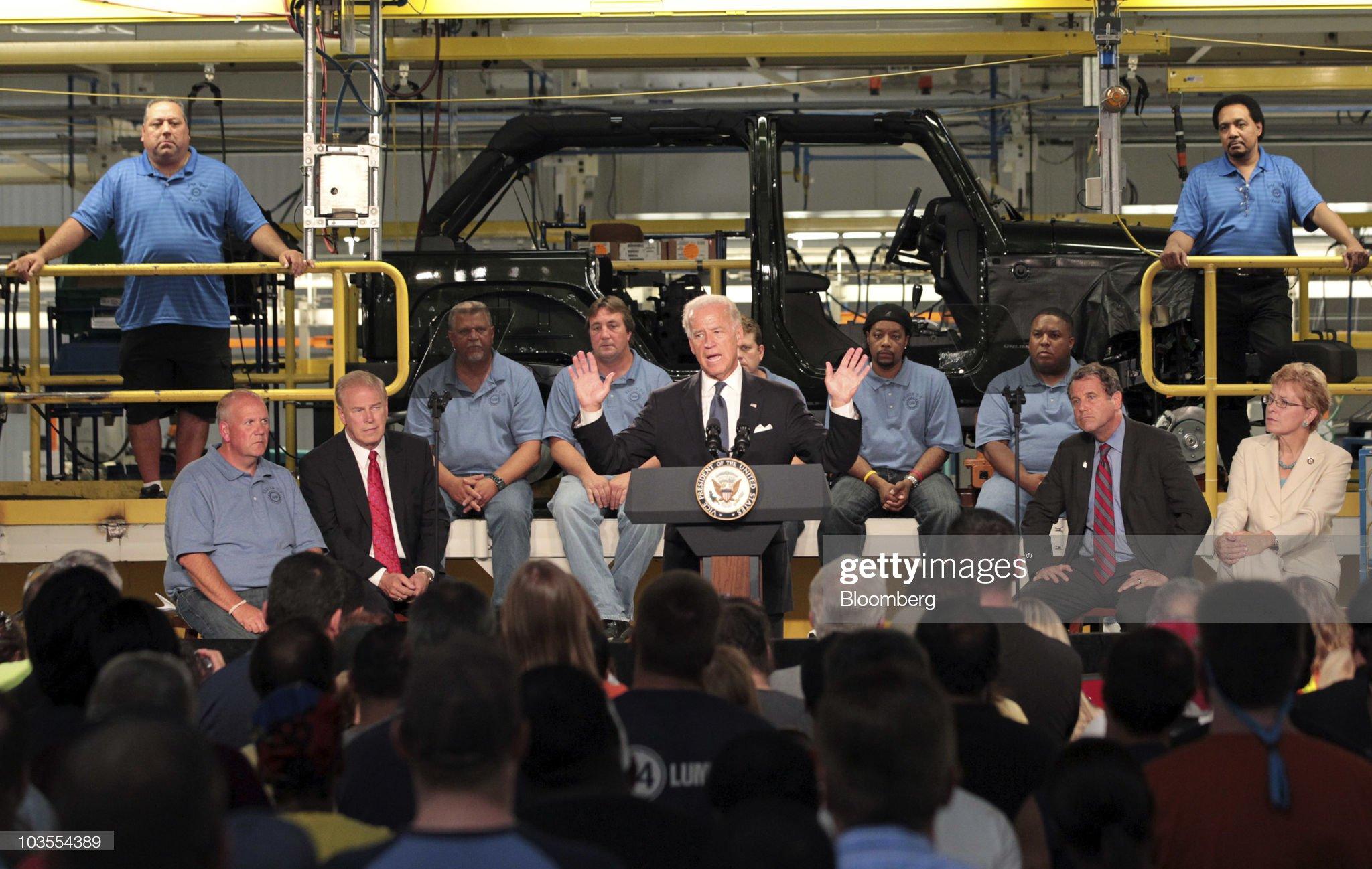 Vice President Biden Tours Chrysler Toledo Manufacturing Facility : News Photo