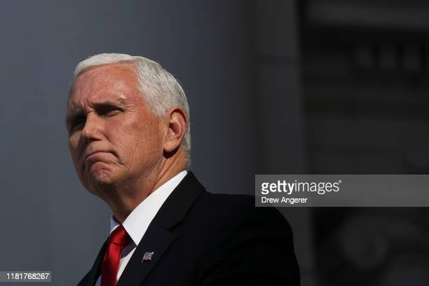 S Vice President Mike Pence delivers remarks at a Veterans Day event at Arlington National Cemetery on November 11 2019 in Arlington Virginia On...